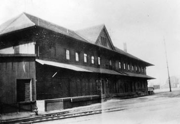 Southern Pacific River Station, USC library collection