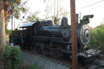 Ventura County No. 2 Switching Cars at Orange Empire Railway Museum (Richard Boehle photo)